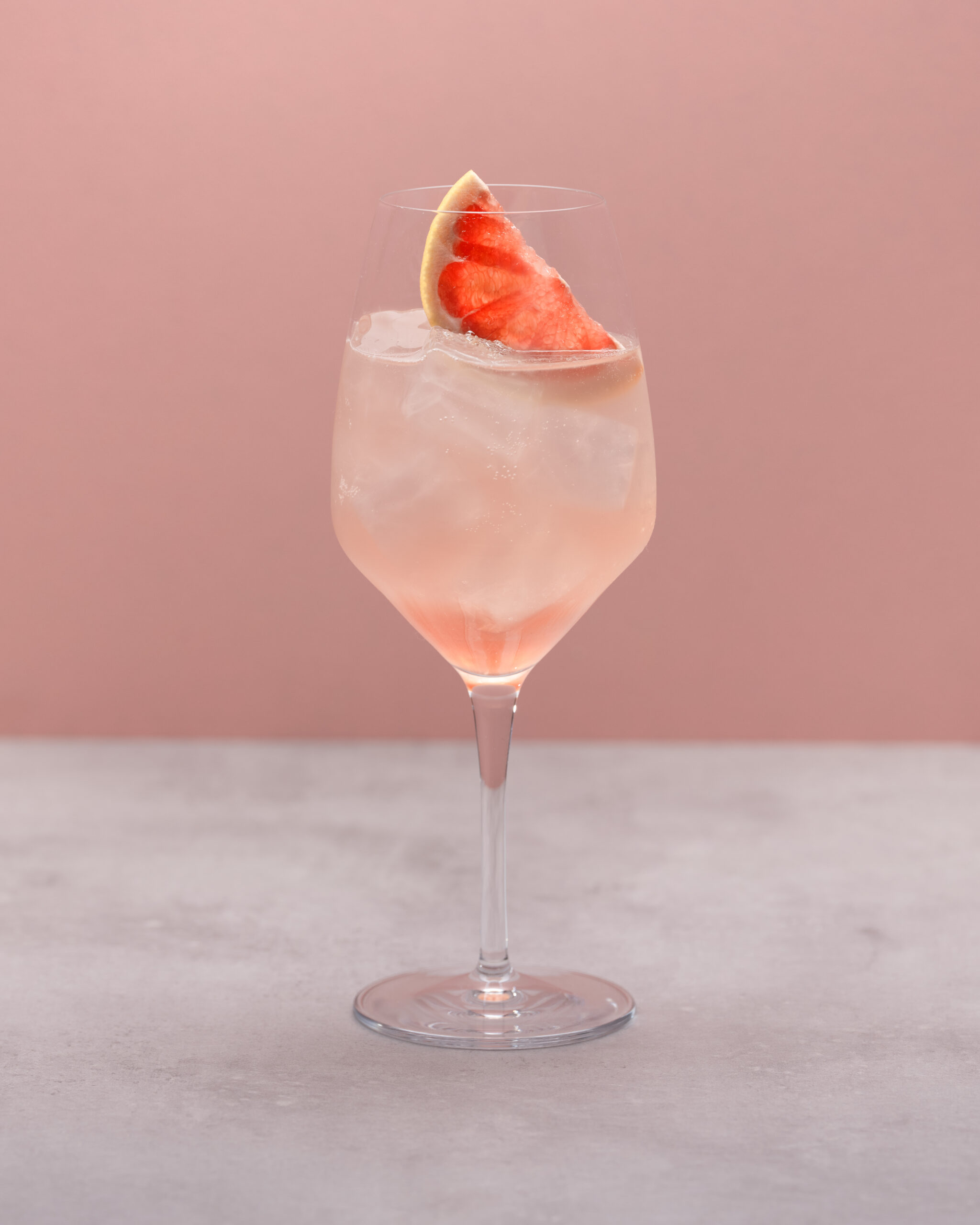 Cocktail of the month august: rhubarb spritz
